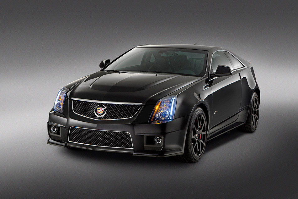 2015 Cadillac CTS-V Coupe Front Angle