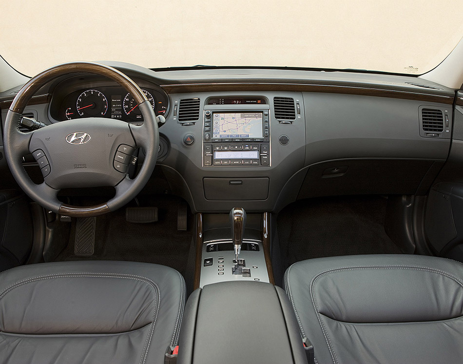2010 Hyundai Azera Interior
