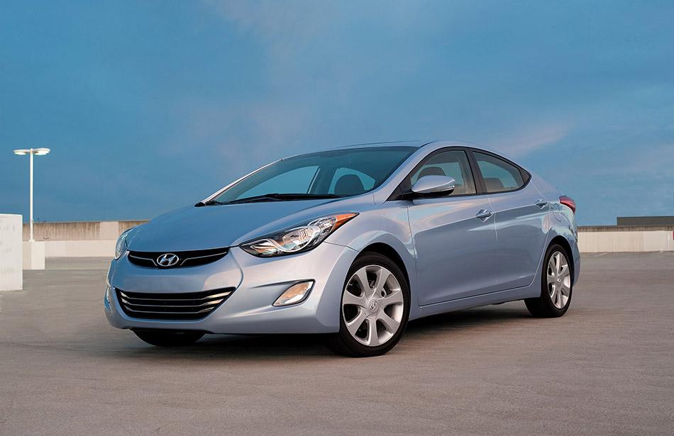 2011 Hyundai Elantra Front Angle