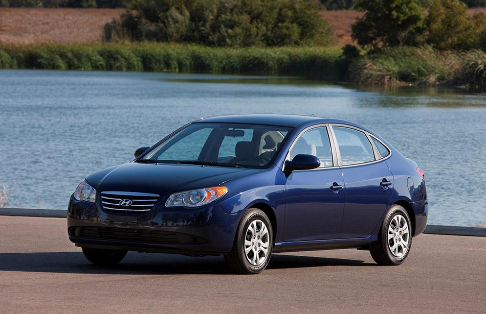2010 Hyundai Elantra Blue Front Angle