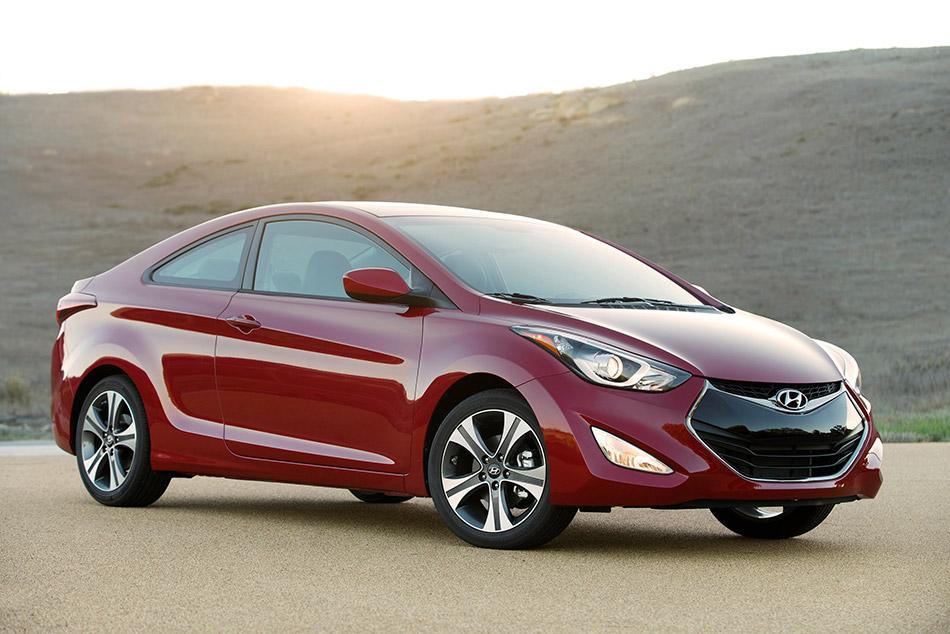 2014 Hyundai Elantra Coupe Front Angle