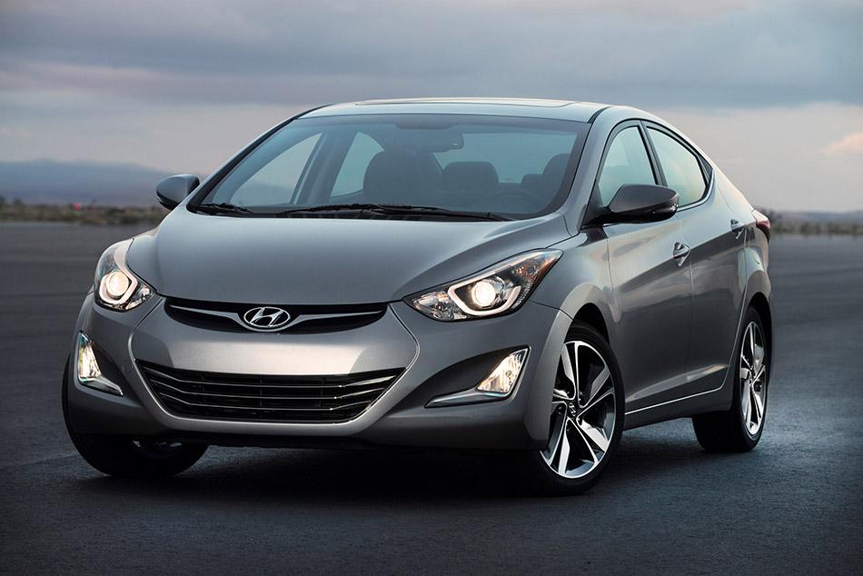 2014 Hyundai Elantra Sedan Front Angle