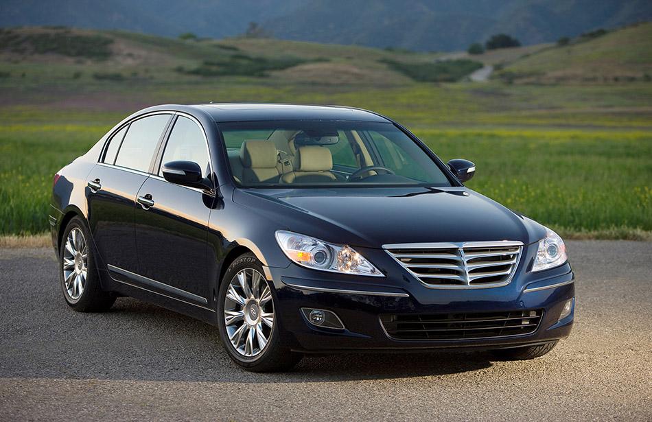 2009 Hyundai Genesis Front Angle