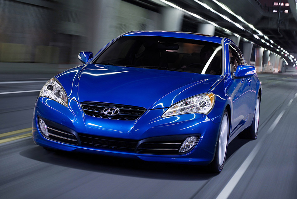 2010 Hyundai Genesis Coupe Front Angle