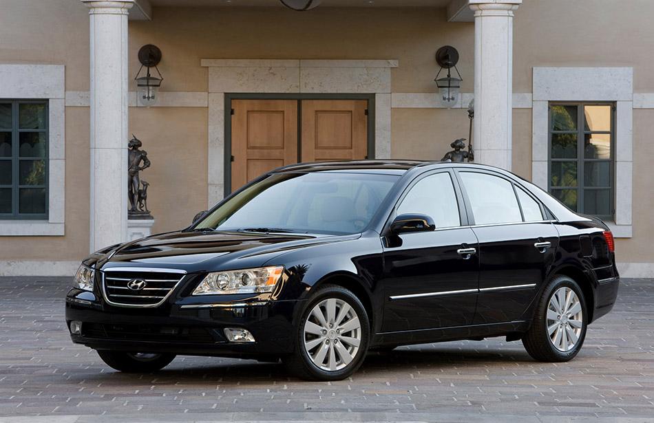 2009 Hyundai Sonata Front Angle