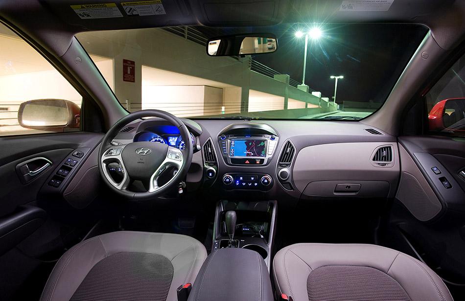 2010 Hyundai Tucson Interior