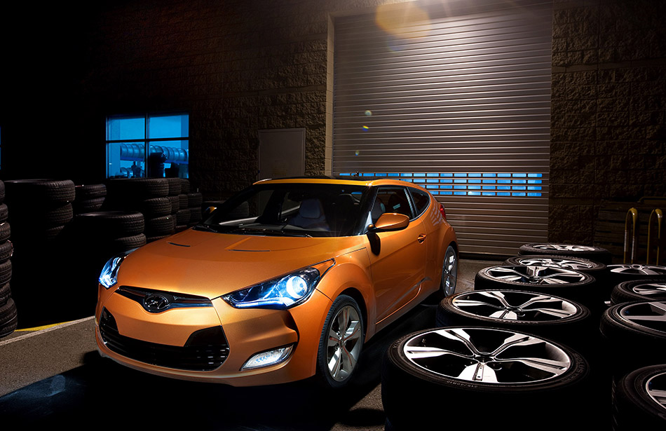 2012 Hyundai Veloster Front Angle