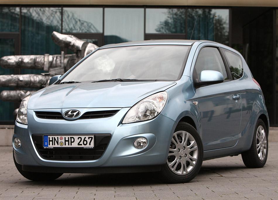 2009 Hyundai i20 3-door Front Angle