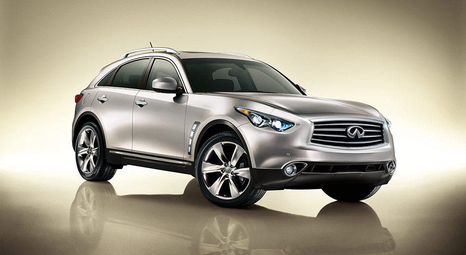 2012 Infiniti FX Front Angle