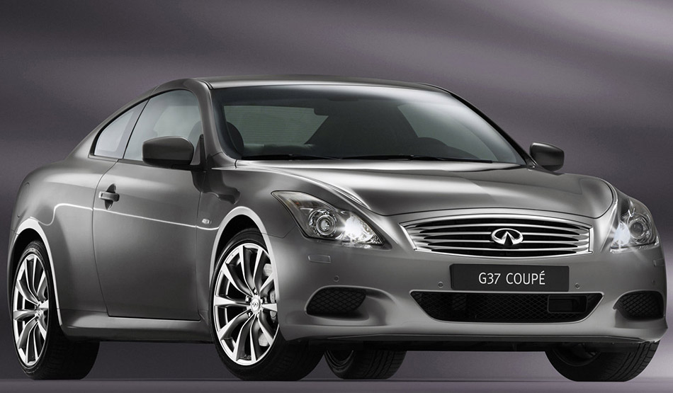 2008 Infiniti G37 Coupe Front Angle