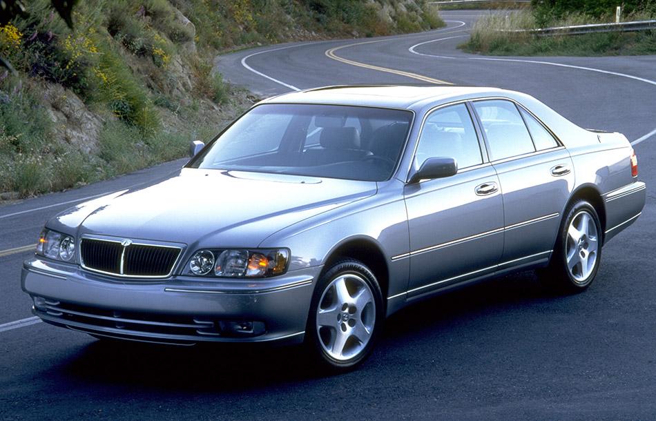 1999 Infiniti Q45 Front Angle