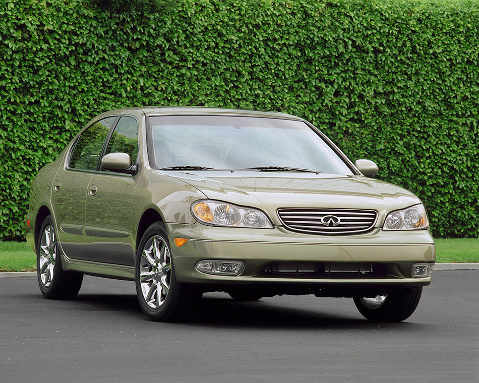 2003 Infintii I35 Front Angle