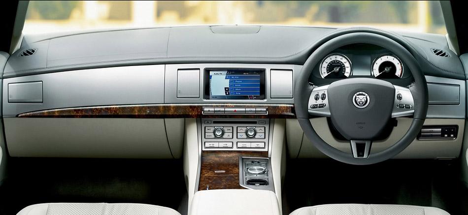 2009 Jaguar XF Interior
