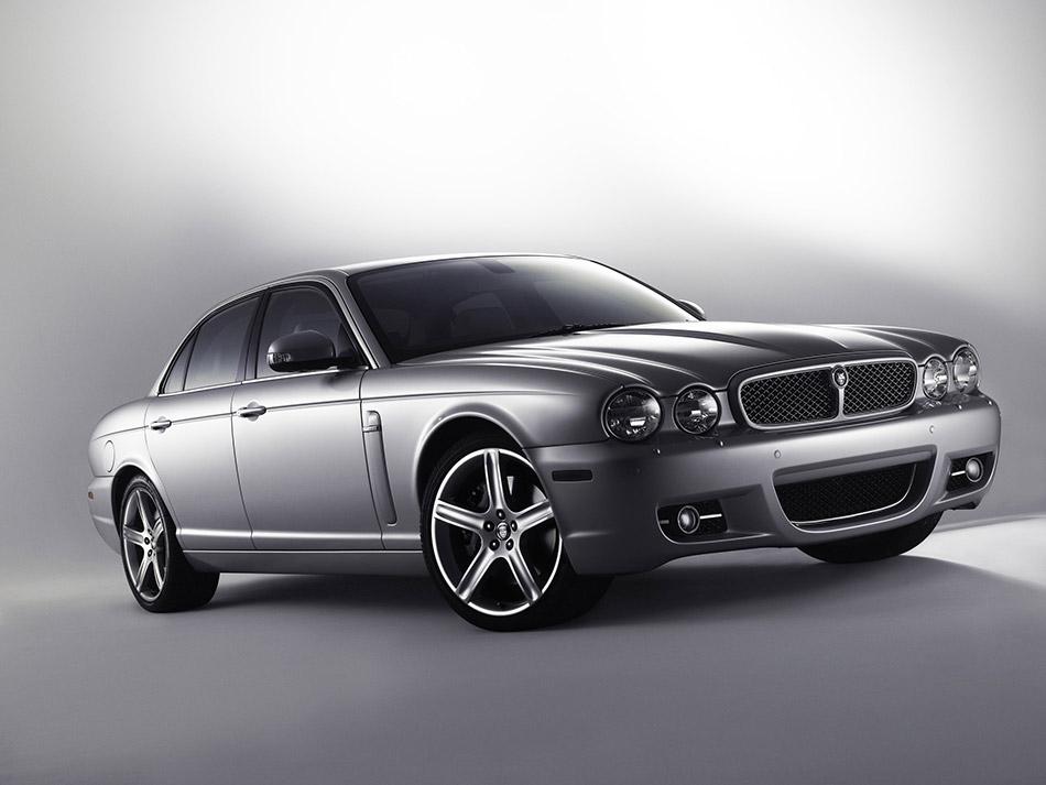 2008 Jaguar XJ Front Angle