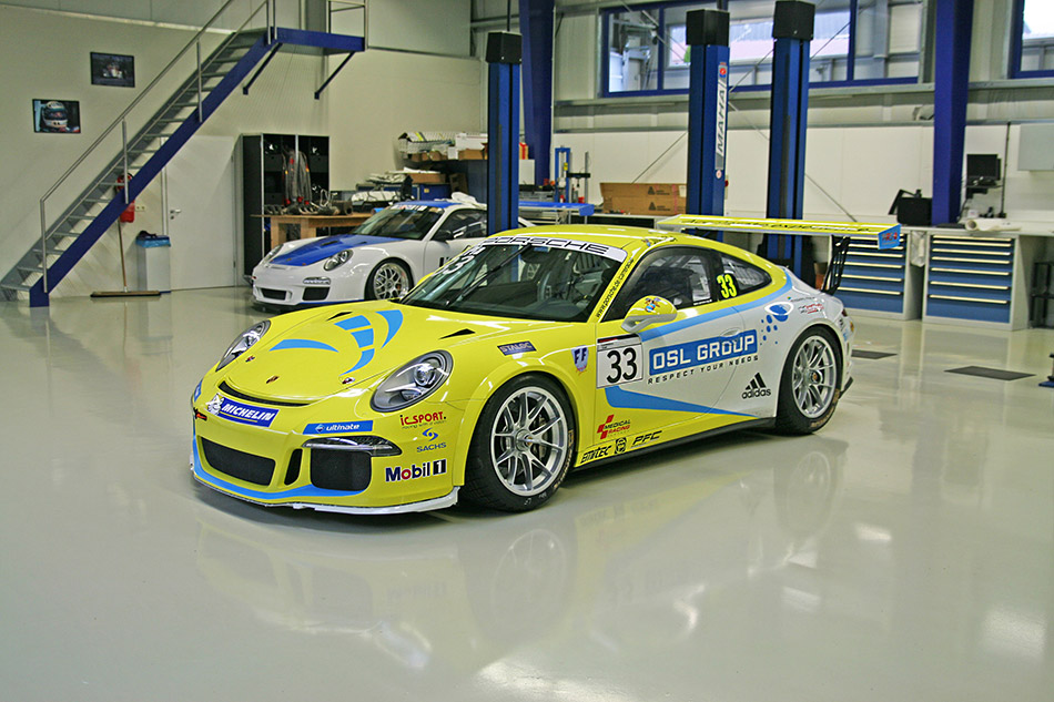 2014 MRS Porsche Carrera Cup Front Angle