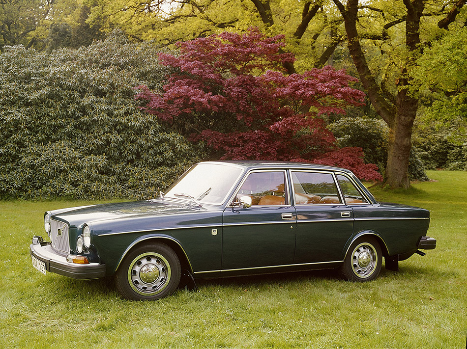 1968 Volvo 164 Front Angle