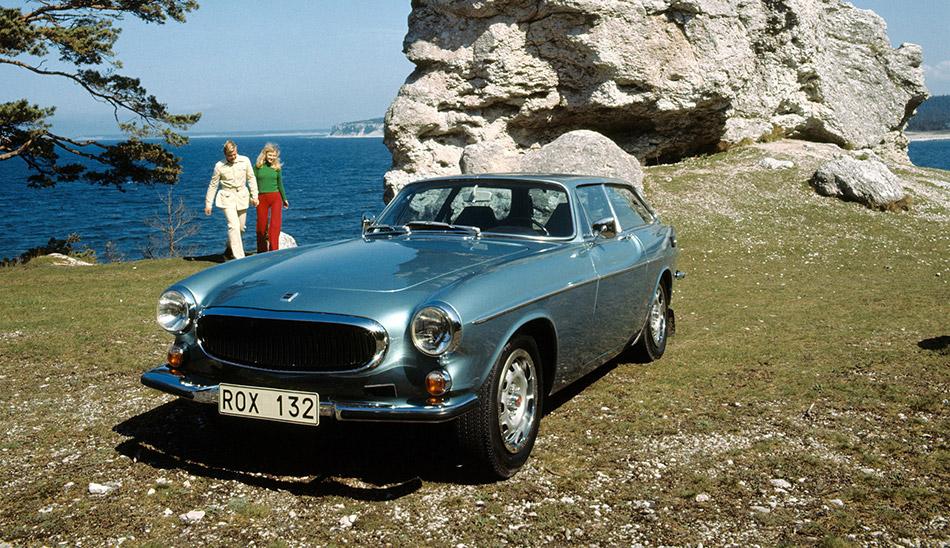 1971 Volvo 1800ES Front Angle