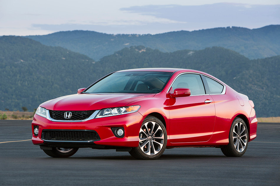 2013 Honda Accord Coupe Front Angle