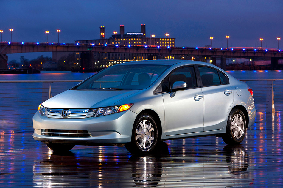 2012 Honda Civic Hybrid Front Angle