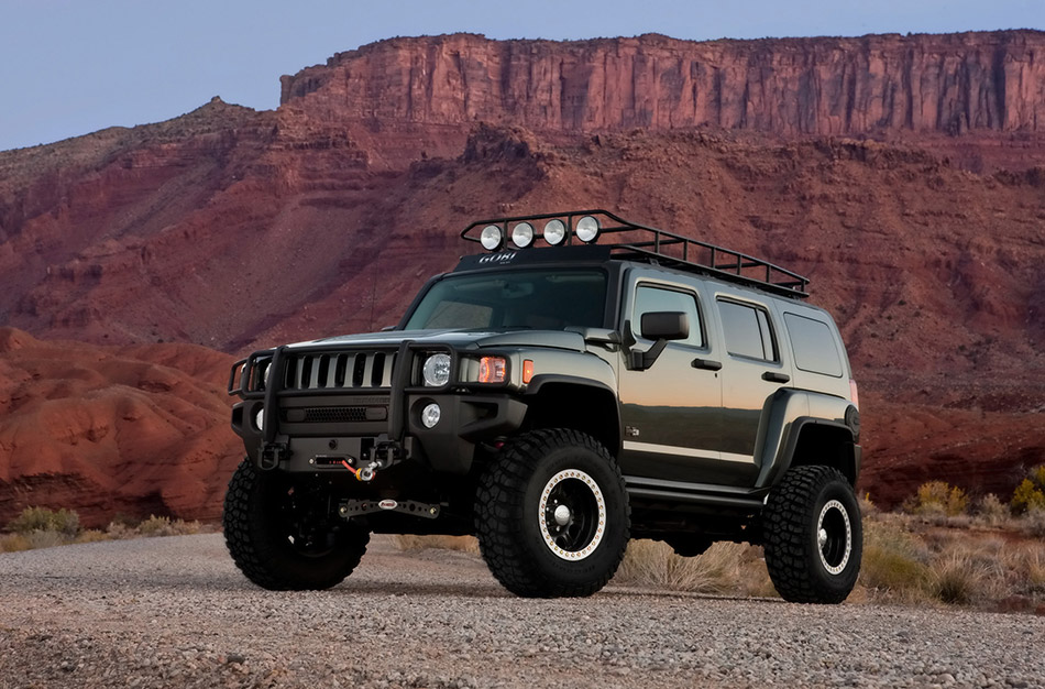 2009 Hummer H3 Moab Concept Front Angle