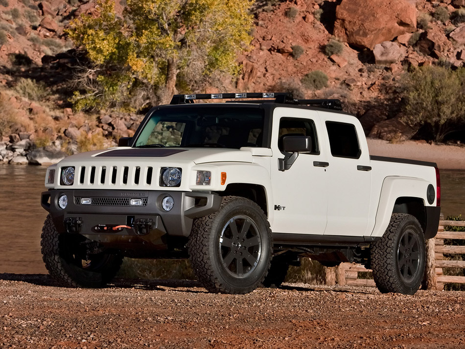 2009 Hummer H3T Sportsman Concept Front Angle