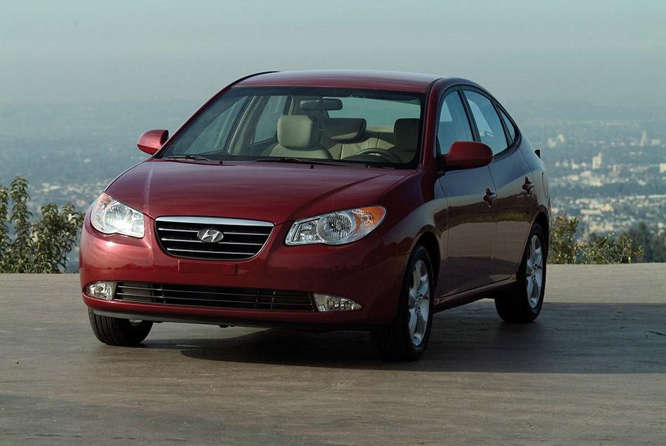 2007 Hyundai Elantra Front Angle