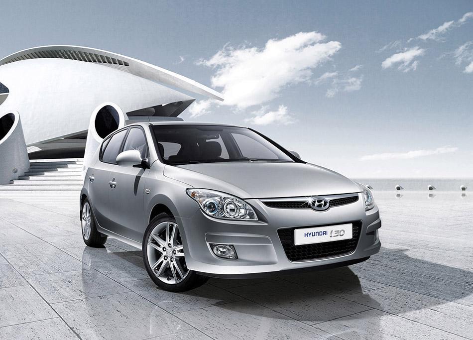 2008 Hyundai i30 Front Angle