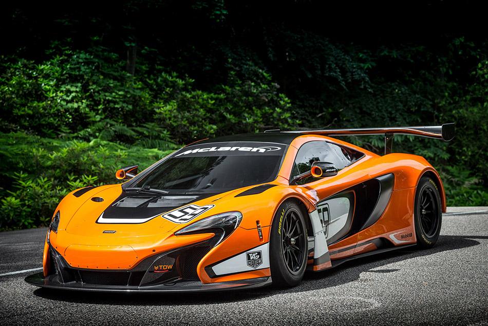 2015 McLaren 650S GT3 Front Angle