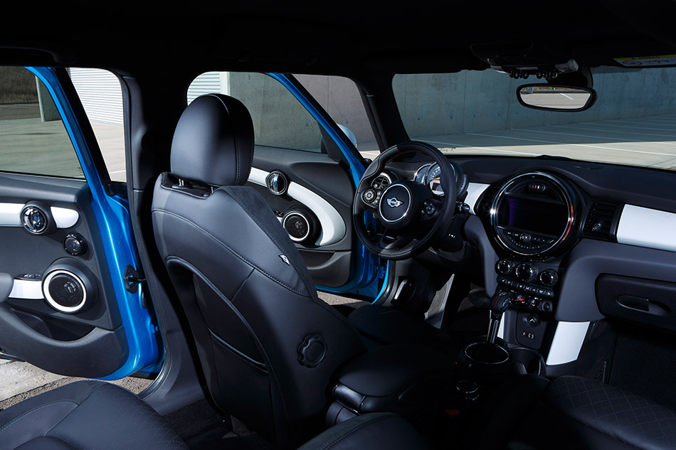 2015 Mini Cooper 5-door Interior