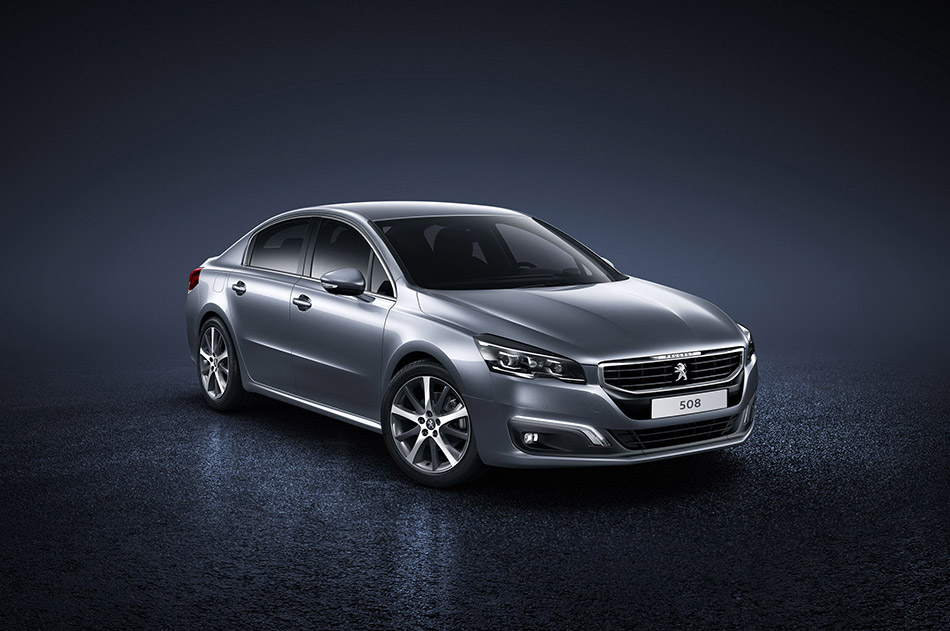 2015 Peugeot 508 Front Angle