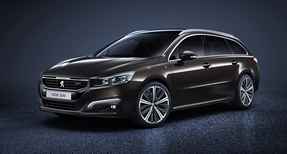 2015 Peugeot 508 SW Front Angle