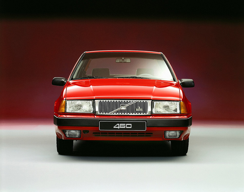 1989 Volvo 460 Front Angle