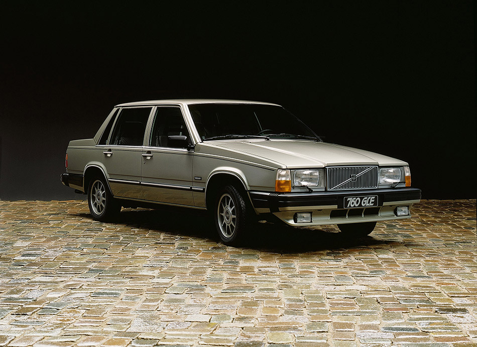 1982 Volvo 760 Front Angle