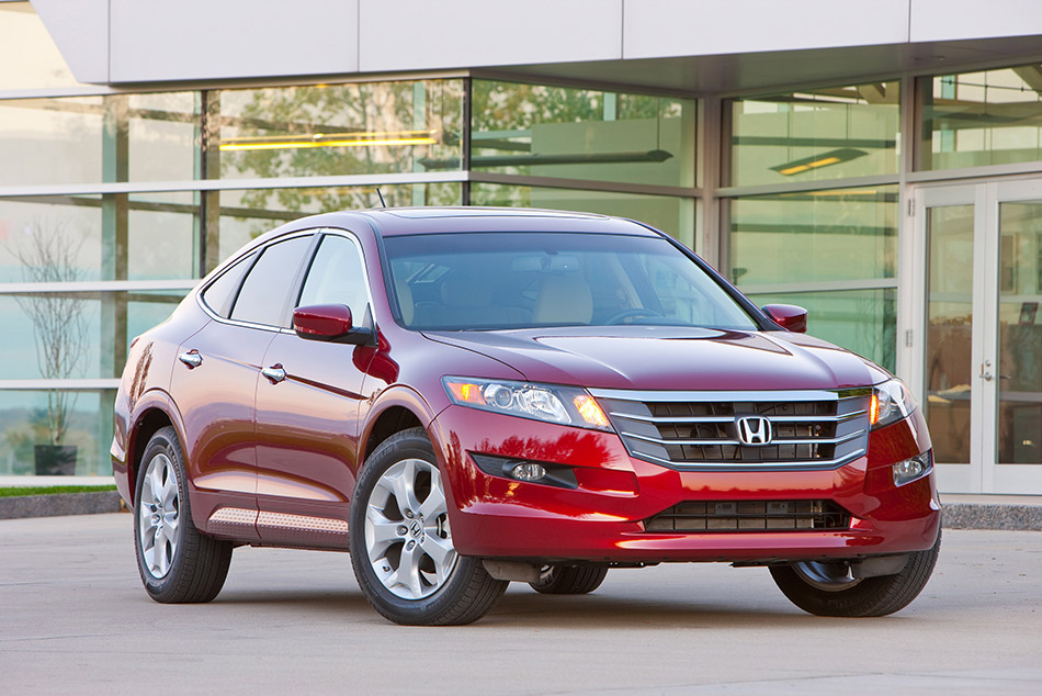 2010 Honda Accord Crosstour Front Angle