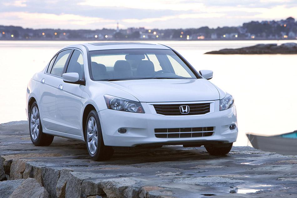2008 Honda Accord EX-L V6 Sedan Front Angle