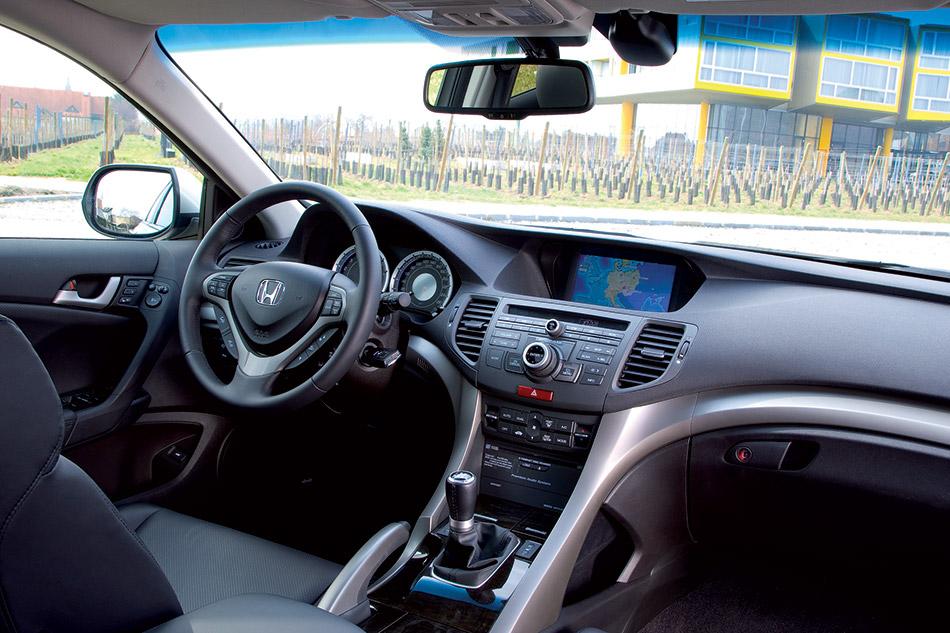 2009 Honda Accord Tourer Interior