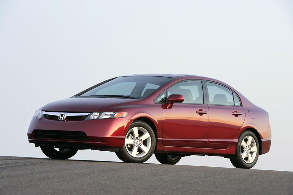 2006 Honda Civic Sedan Front Angle