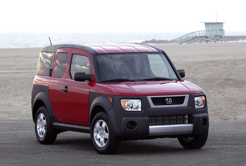 2005 Honda Element Front Angle