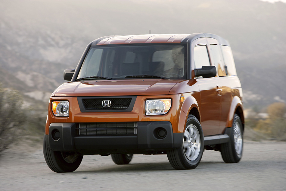2006 Honda Element EX-P Front Angle