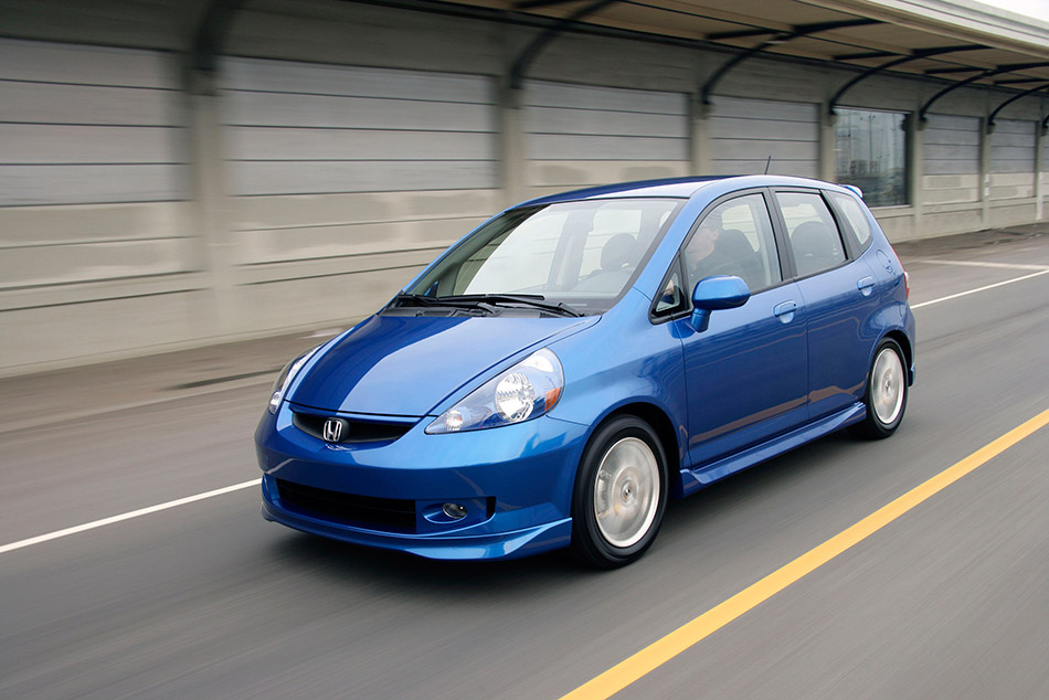 2007 Honda Fit Sport Front Angle