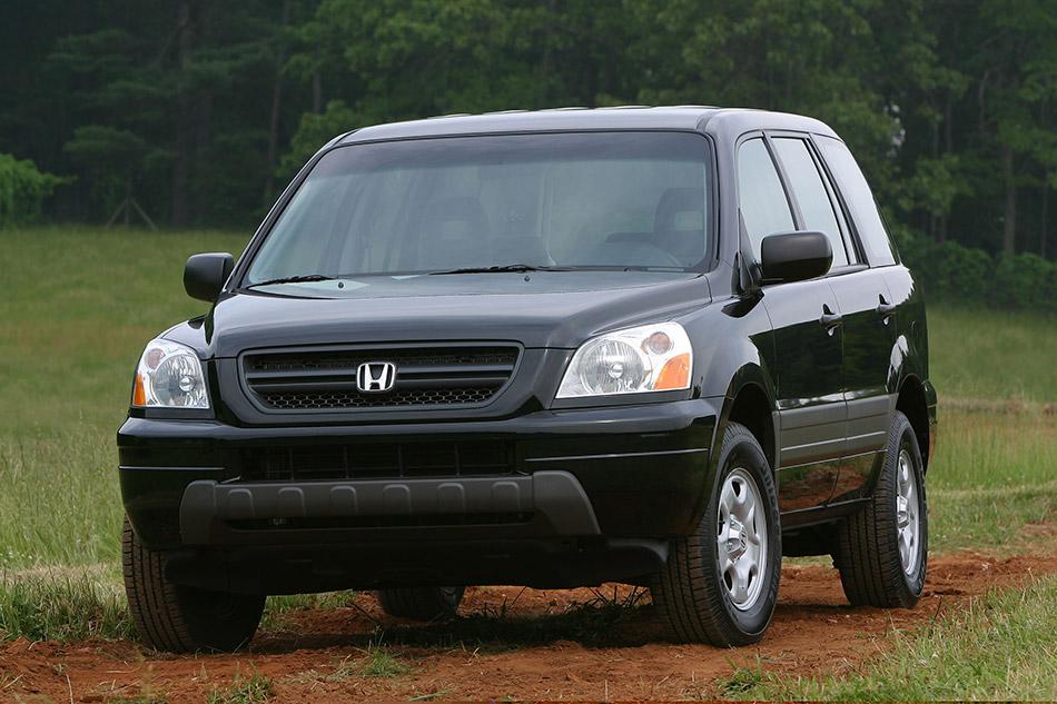2003 Honda Pilot LX Front Angle