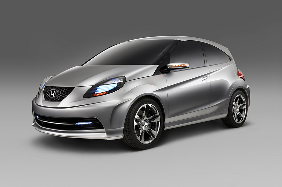 2010 Honda Small Concept Front Angle