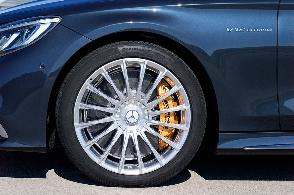 2015 Mercedes-Benz S 65 AMG Coupe fully integrated wheel bolt cover