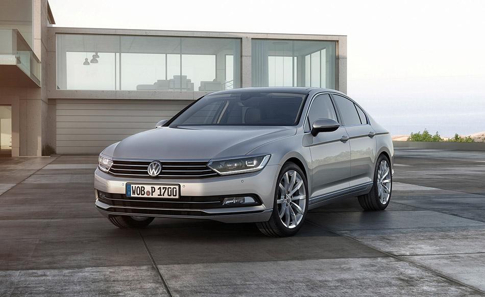 2015 Volkswagen Passat Front Angle