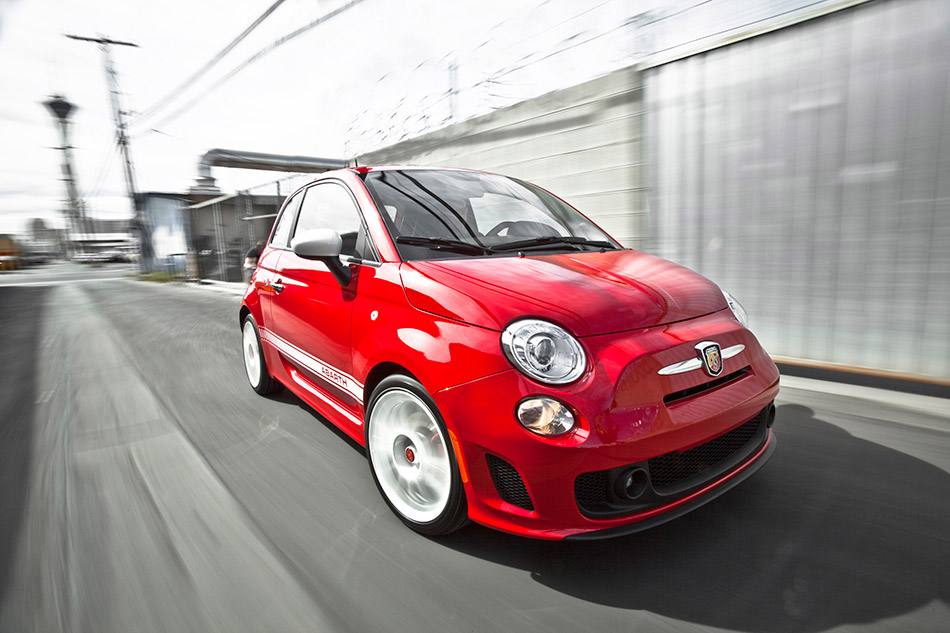 2014 Abarth 500 Front Angle