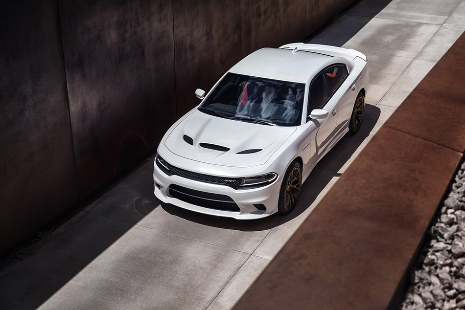 2015 Dodge Charger SRT Hellcat Front Angle