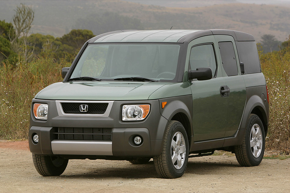 2003 Honda Element EX Front Angle