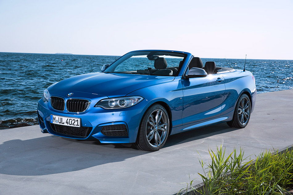 2015 BMW M235i Convertible Front Angle