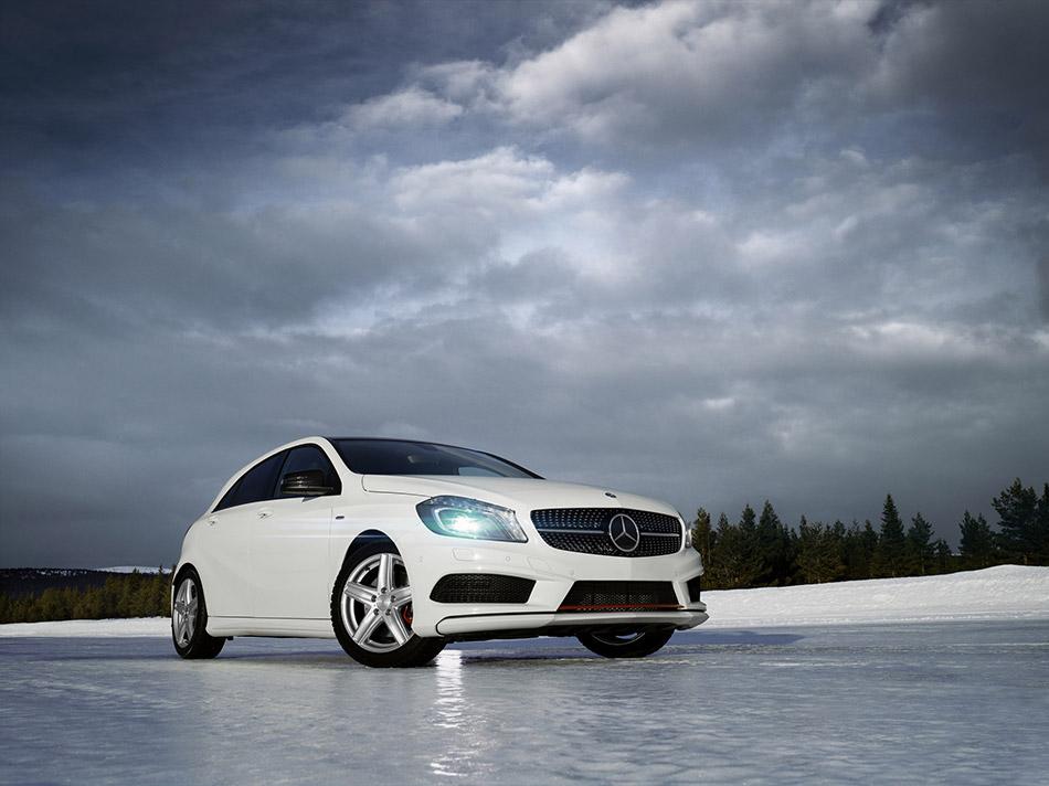 2014 Dezent Mercedes-Benz A-Class Front Angle