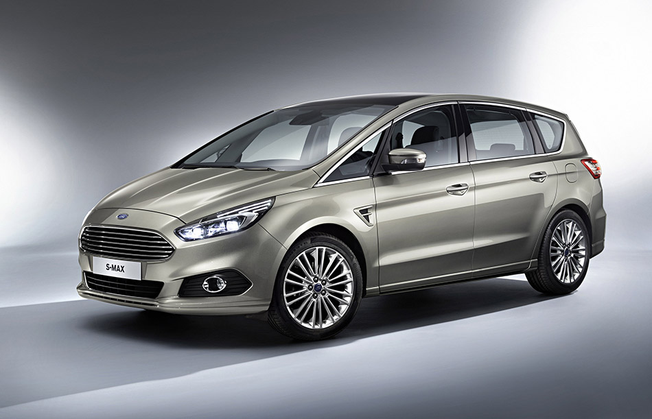 2015 Ford S-MAX Front Angle